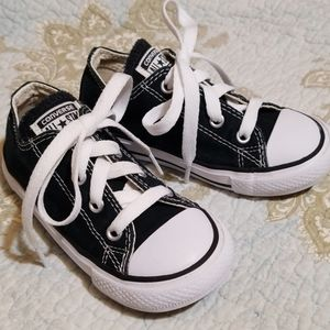 Converse Classic Black Shoes. Size Toddler 8